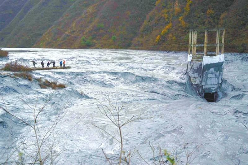 中國生態環境處崩潰邊緣 七環保督察組進各省