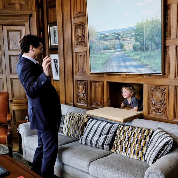 陪爸爸上班加總理杜魯道3歲兒吸睛