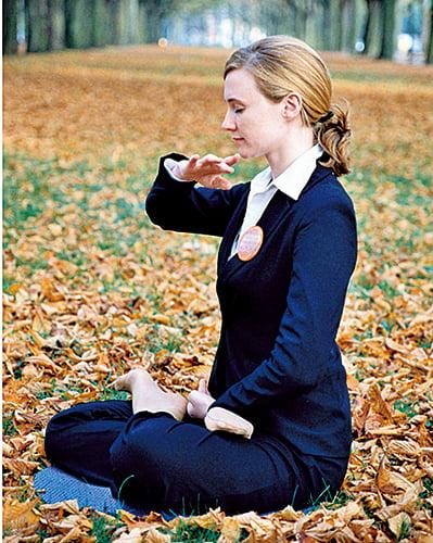 憂鬱症患者可藉由打坐方式改善自身情況。(大紀元)