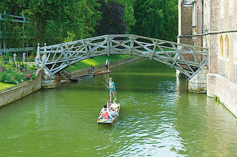 劍橋之「數學橋」,它把王后學院和劍橋兩岸的校園連結在一起。(Kk_tt/depositphotos)