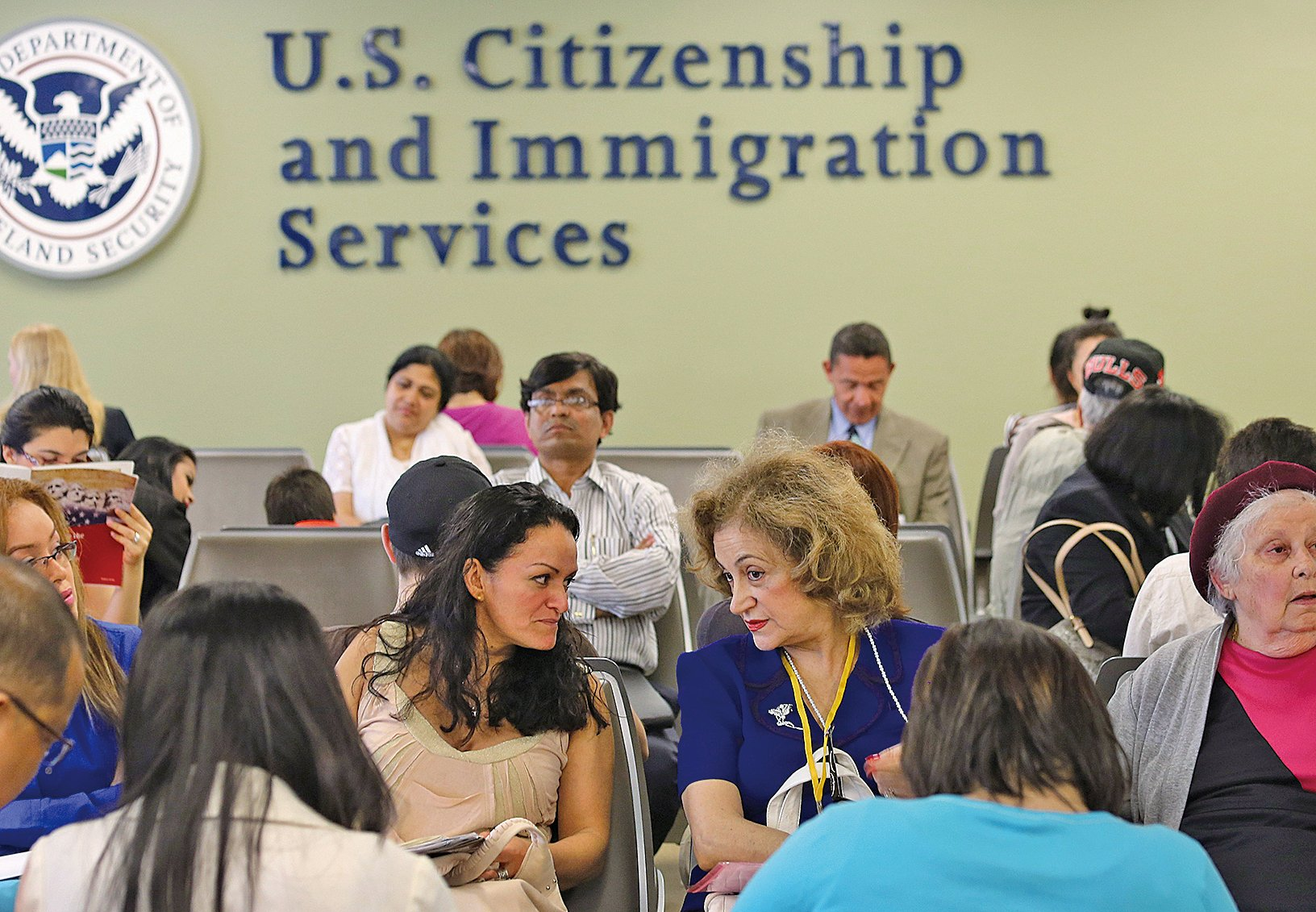 目前EB-5仍然是中國富人喜歡的移民方式。(John Moore/Getty Images)