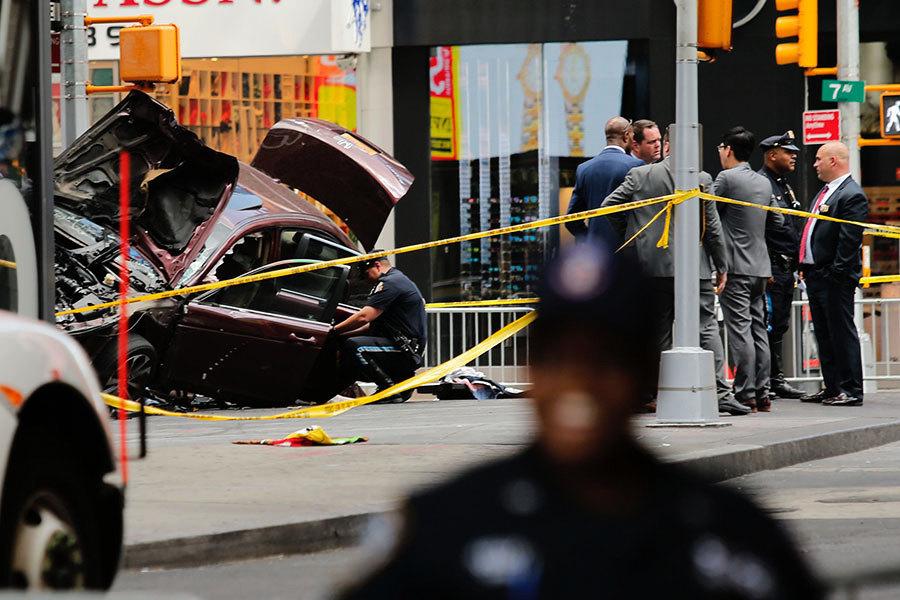 紐約男駕車撞人細節曝光 目擊者憶案發時刻