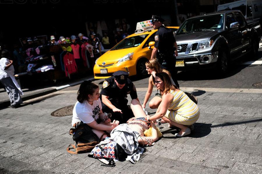 紐約時代廣場汽車撞人1死22傷 市長:非恐襲