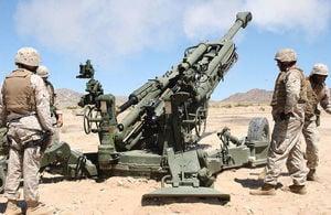 部署中印邊界榴彈炮 首批運抵印度