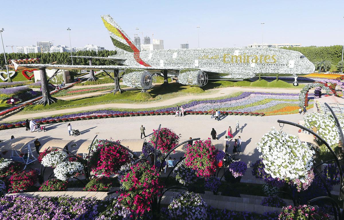 世界上最大的花造景觀──A380飛機。