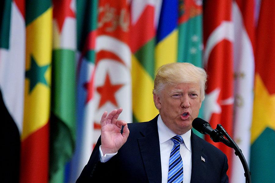 特朗普一直想要為以巴衝突找到一個「最終協議」。白宮助手預計,這次的訪問可能會在以巴和平進程方面取得巨大進展。圖為特朗普在沙特發表演講。(MANDEL NGAN/AFP/Getty Images)