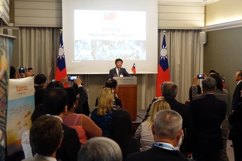台灣衛福部長陳時中5月21日晚間在外交部歡迎酒會表示,今年沒收到世界衛生大會(世衛大會)邀請函,但台灣會持續與國際交往,也需要盟友努力形成國際壓力。(中央社)