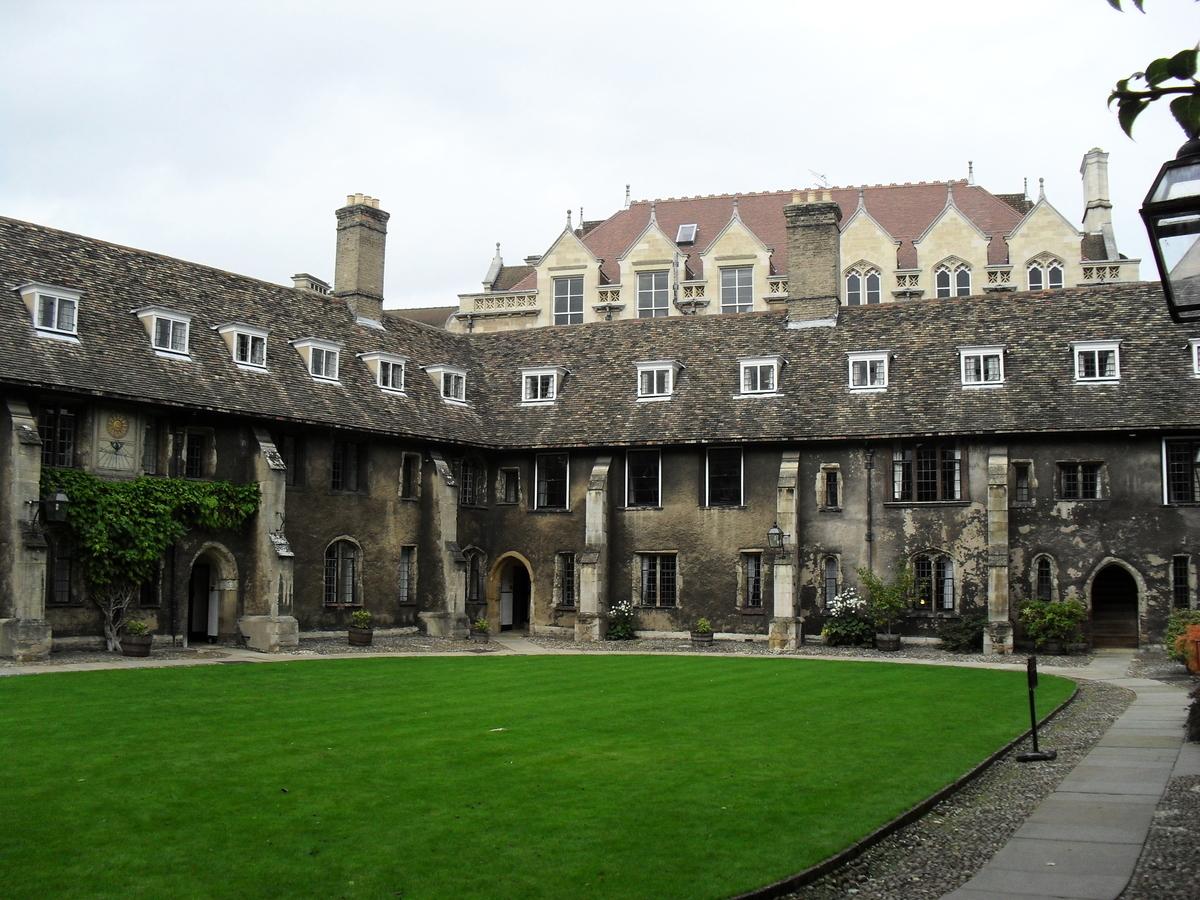 英國劍橋大學高材生徐柯(Ke Xu,音譯)曾竊取英國Trenchant公司價值3100萬英鎊(約2.77億人民幣)的商業機密。是否將徐柯遣返回中國日前令法官頭痛。圖為劍橋大學。 (維基百科)