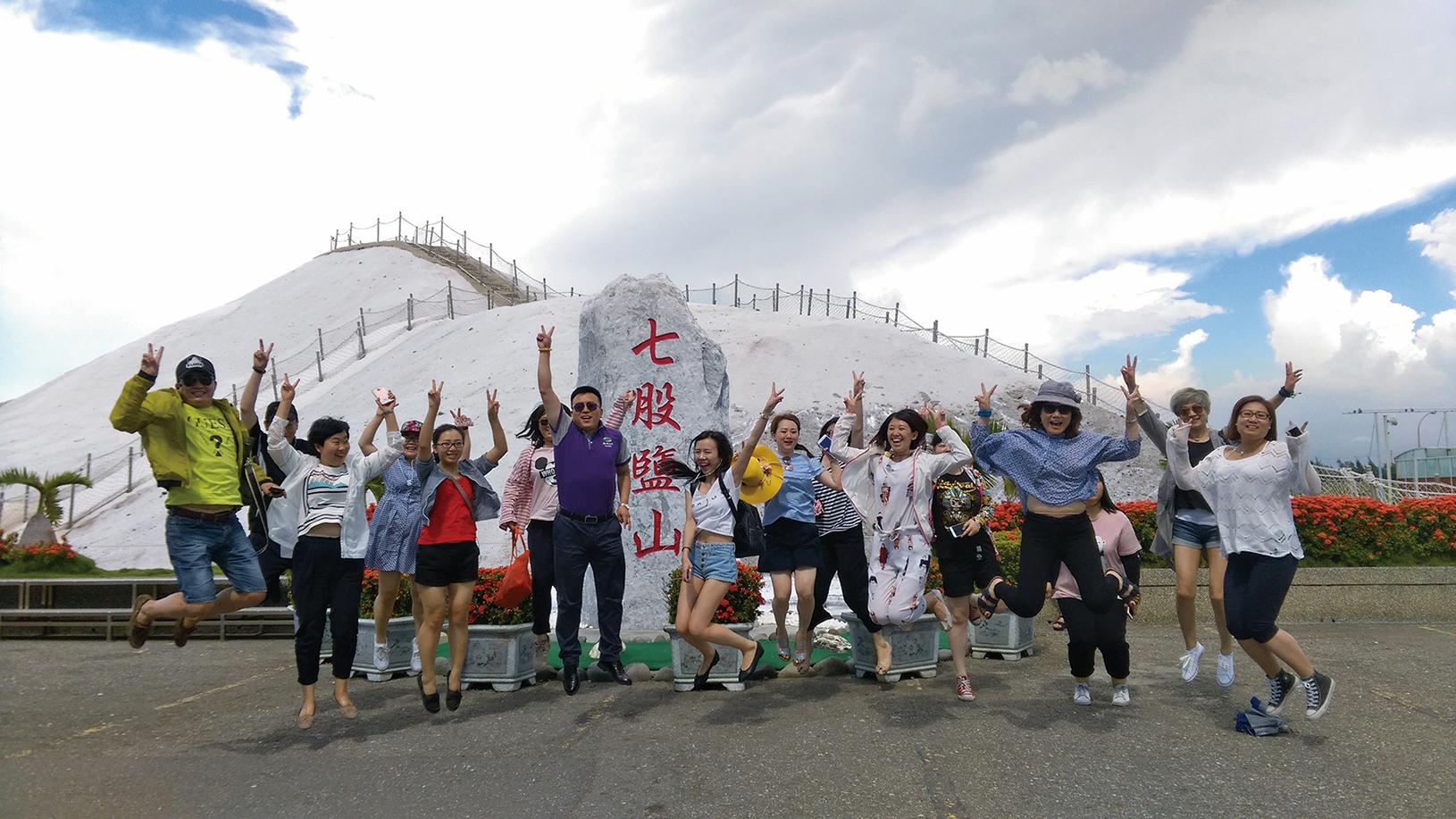 近年來北京通過削減中國遊客出口量來打擊它國經濟。圖為大陸遊客到台灣旅遊。(大陸民眾)