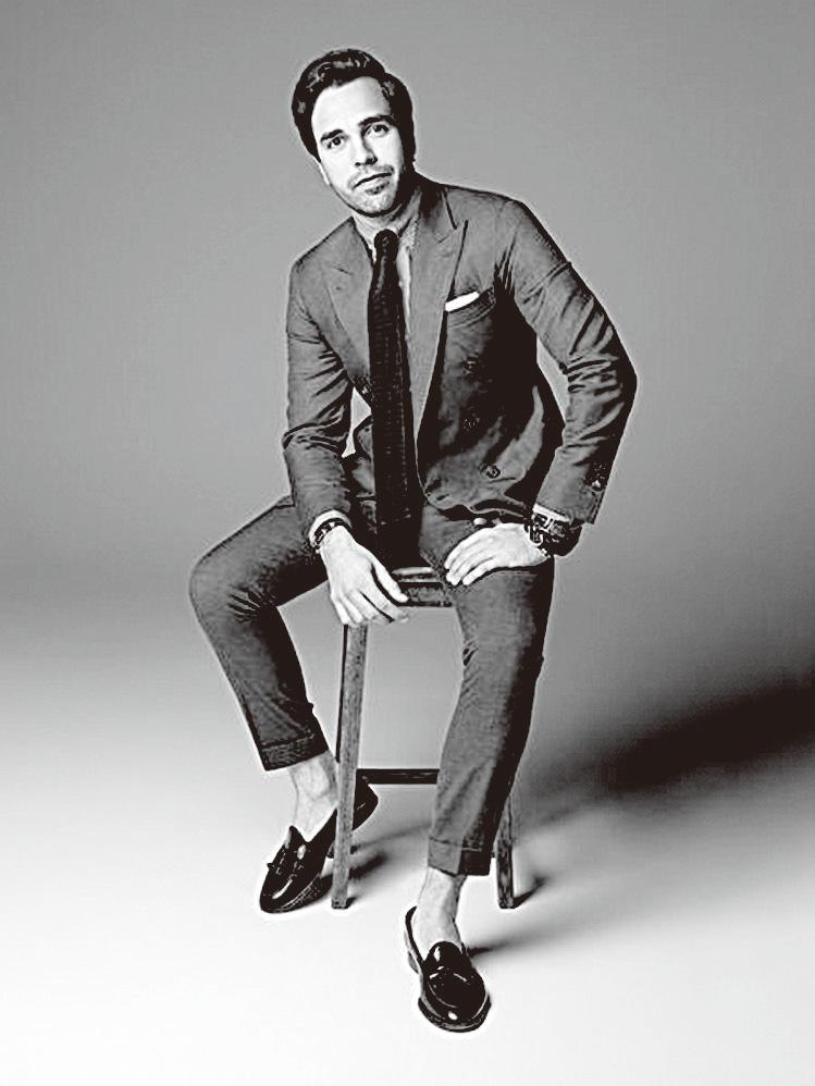 男士的衣櫃裏一定要有一件乾淨的白恤衫和一件完美的西裝,而我的選擇一直是Emmett。  ——企業家Diego Bivero-Volpe