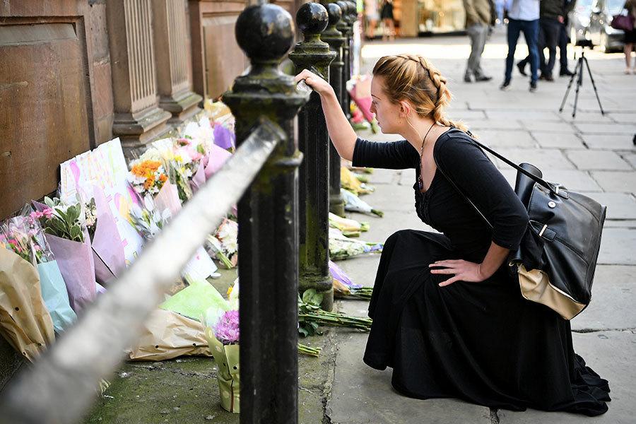 人間有愛 英恐襲後一婦女善舉大受讚揚