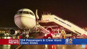 美聯航飛機起火五人輕傷 紐瓦克機場暫關閉