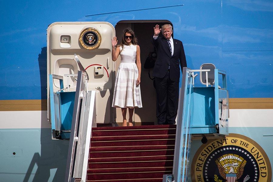 特朗普及梅拉尼婭搭空軍一號離開以色列。(Ilia Yefimovich/Getty Images)