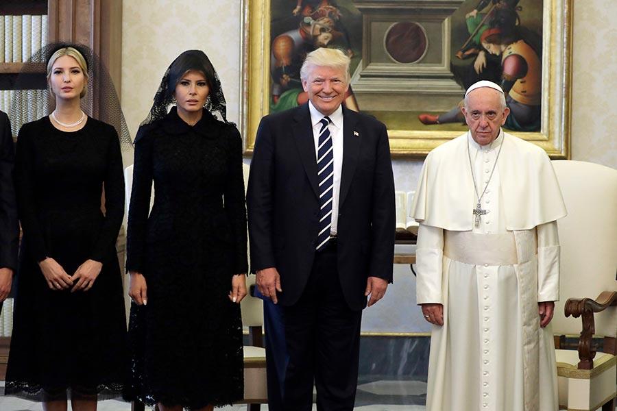 特朗普5月24日和教宗會面。(EVAN VUCCI/AFP/Getty Images)