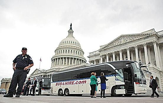 美國參議院全部100名參議員,於4月26日下午集體赴白宮參與特朗普召開的關於北韓局勢簡報會,顯得很不尋常。(Getty Images)