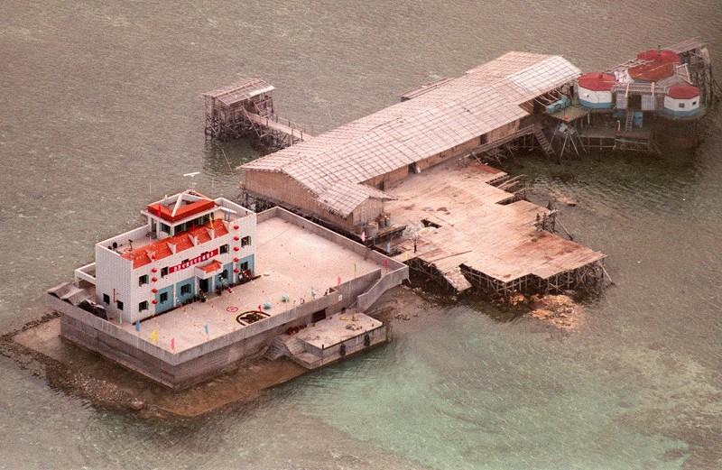 特朗普上任後 美國軍艦首次巡航南海爭議島礁