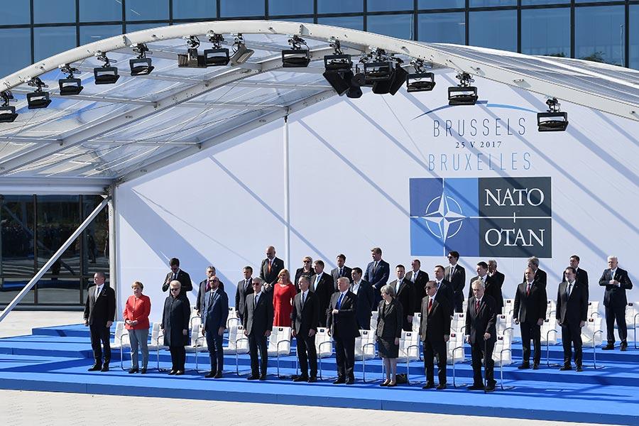 5月25日,28國首腦在北約總部出席峰會。(Justin Tallis – Pool/Getty Images)