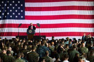 特朗普結束外訪前 對駐意大利美軍發表演說
