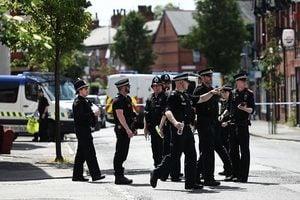 再有二人涉曼城爆炸案被捕 英調降恐襲級別
