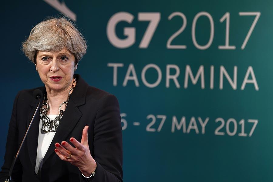 英國首相文翠珊5月26日在G7峰會中,舉行新聞記者會。(JUSTIN TALLIS/AFP/Getty Images)
