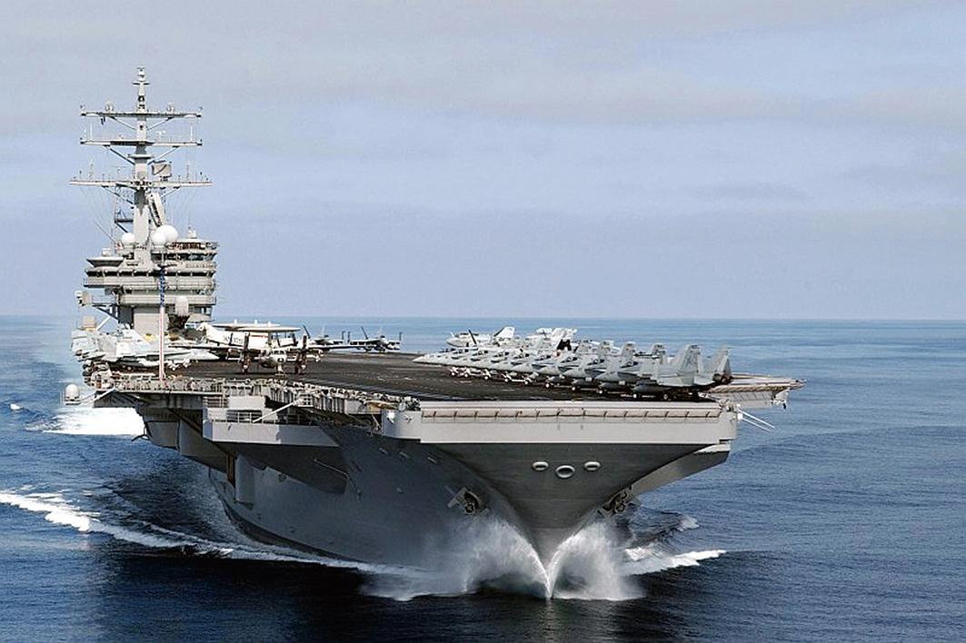 尼米茲號航空母艦戰鬥群將前往西太平洋,加入「卡爾文森號」航母和「羅納德‧列根」號航母戰鬥群。(AFP)