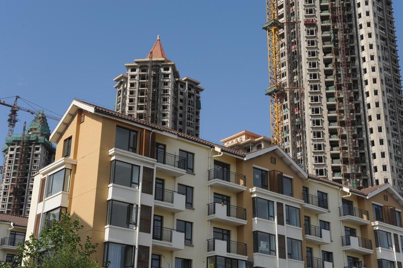 由於環京樓市政策收緊等因素,近期北京附近燕郊房地產市場拋售增加,兩月每平方米跌8,000元。(大紀元資料室)