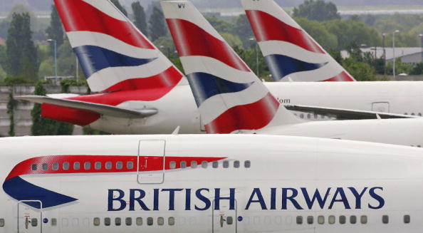 英國航空公司(British Airways)於英國當地時間星期六(5月27日)發生系統當機事件,公司希望星期一(5月29日)恢復95%的希斯路(Heathrow)和格域(Gatwick)機場航班 。(Scott Barbour/Getty Images)