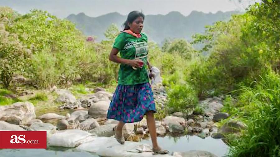 穿長裙和涼鞋 墨西哥女子跑贏超級馬拉松