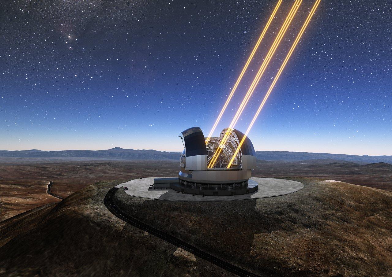 構想圖:歐洲極大望遠鏡(E-ELT)在觀測天文現象。(維基百科)