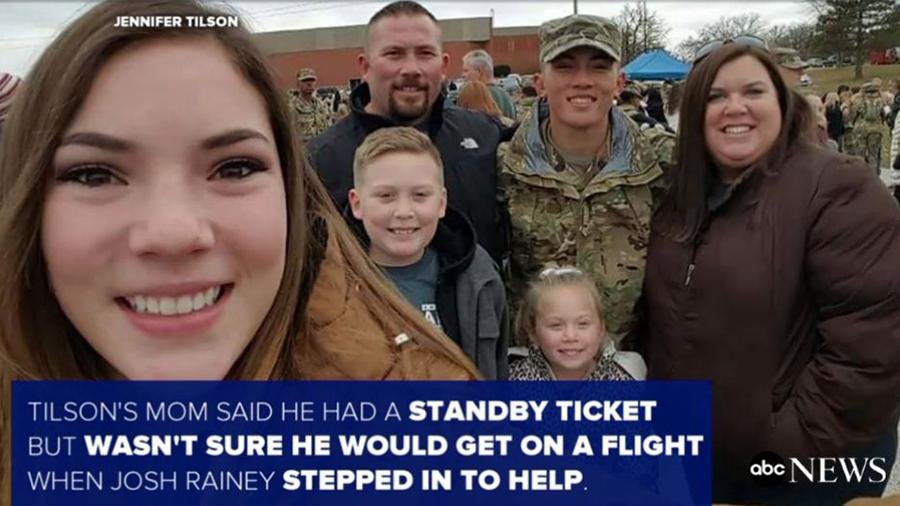 陌生人為美年輕大兵買機票 讓他與家人團聚