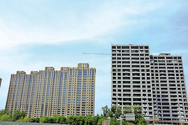 當前京滬樓市呈現量價齊跌的局面,未來房價或將明顯下跌。(大紀元資料室)