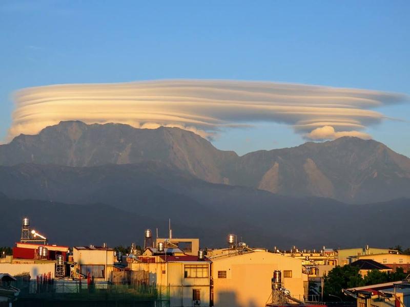 「千層雲」你看過嗎?台灣現奇雲美呆了