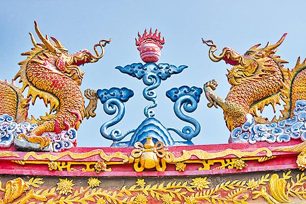 古籍中龍現身人間又飛回天上的記載頗多,都被認為是祥瑞之兆。(AFP)
