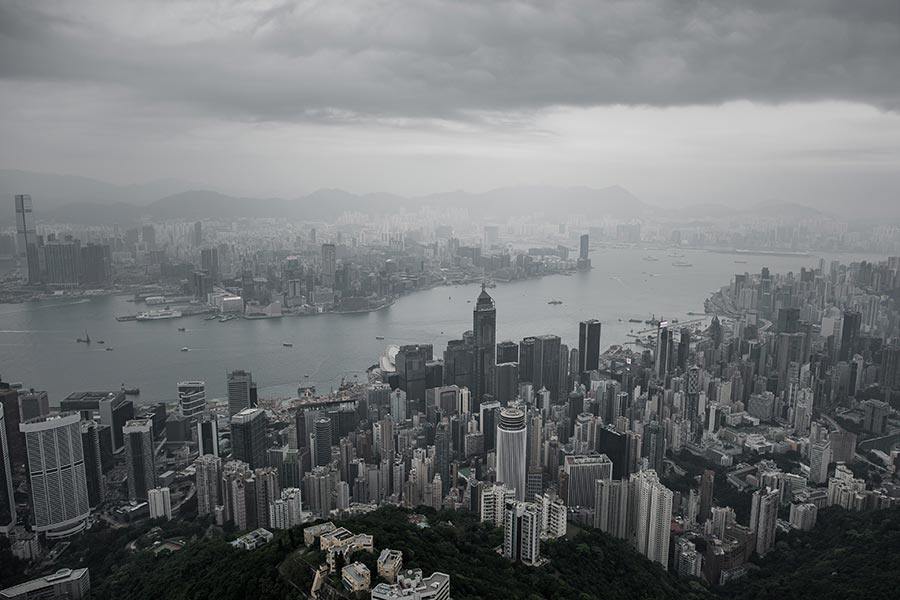 日前中共官方公佈全國共選出2287名十九大代表,但其中香港工委、澳門工委和全國台聯3個單位不公佈詳細名單。圖為維多利亞港。(PHILIPPE LOPEZ/AFP/Getty Images)