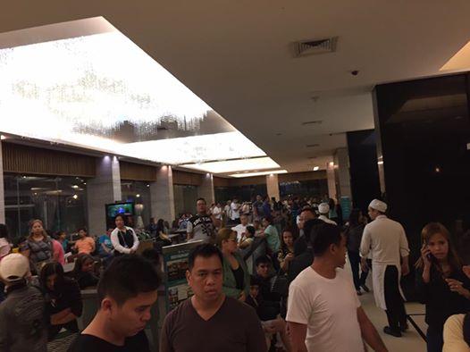 當地時間周五(6月2日)凌晨,菲律賓首都馬尼拉的一個著名度假村響起槍聲和爆炸聲。(網絡擷圖)
