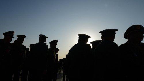中共活摘器官牟利的罪行飽受國際撻伐,全面停止軍隊武警有償服務,可說是習近平國防和軍隊改革的重要一環。(Getty Images)