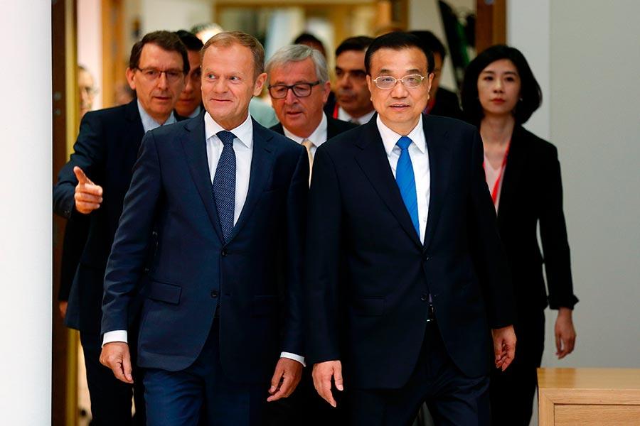 在周五(6月2日)的領袖峰會上,歐盟和中共未能解決一些尖銳的貿易爭議,鋼鐵產能過剩的分歧繼續損害雙方關係。(FRANCOIS LENOIR/AFP/Getty Images)