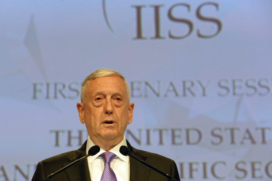 周六(6月3日)美國國防部長馬蒂斯在新加坡舉行的國際安全會議上說,北韓是「清晰而現在的危險」。(ROSLAN RAHMAN/AFP/Getty Images)