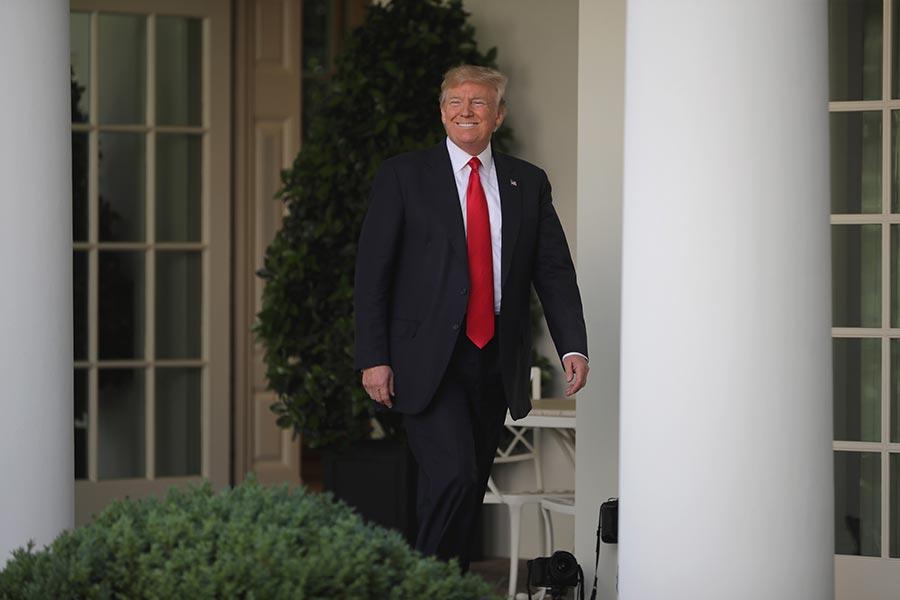 一名知情的美國官員表示,特朗普總統或在下周五(6月16日)訪問邁阿密時,宣佈一項新的古巴政策,廢除前總統奧巴馬的部份政策。(Chip Somodevilla/Getty Images)