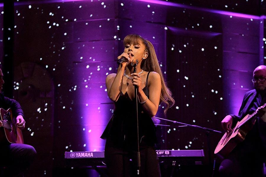 儘管倫敦周六(6月3日)發生恐襲,但美國歌手亞莉安娜(Ariana Grande)周日晚在曼徹斯特舉行的慈善演出會照常進行,但會增加額外安檢。(Charley Gallay/Getty Images for Tiffany & Co.)