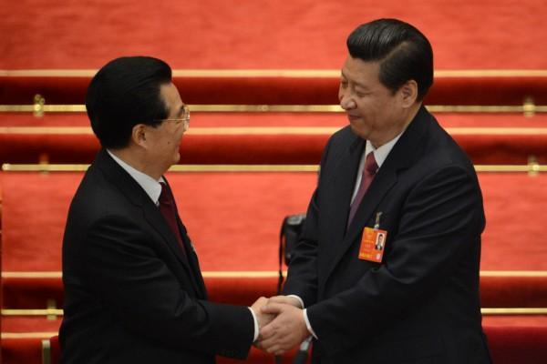 繼2012年全退之後,時隔五年,胡錦濤又再使出「殺手鐧」挺習,也凸顯江澤民不進棺材心不死。(Getty Images)