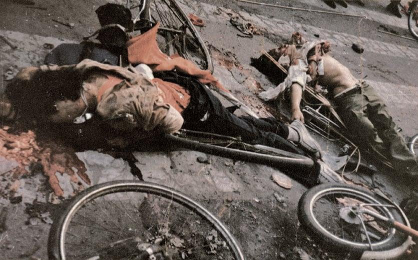 六四屠城目擊者:「大約在午夜,我們把車停在路邊,走到距離路障約100米處,士兵正在胡亂開槍。死屍和傷者橫在街上……」(資料圖片)