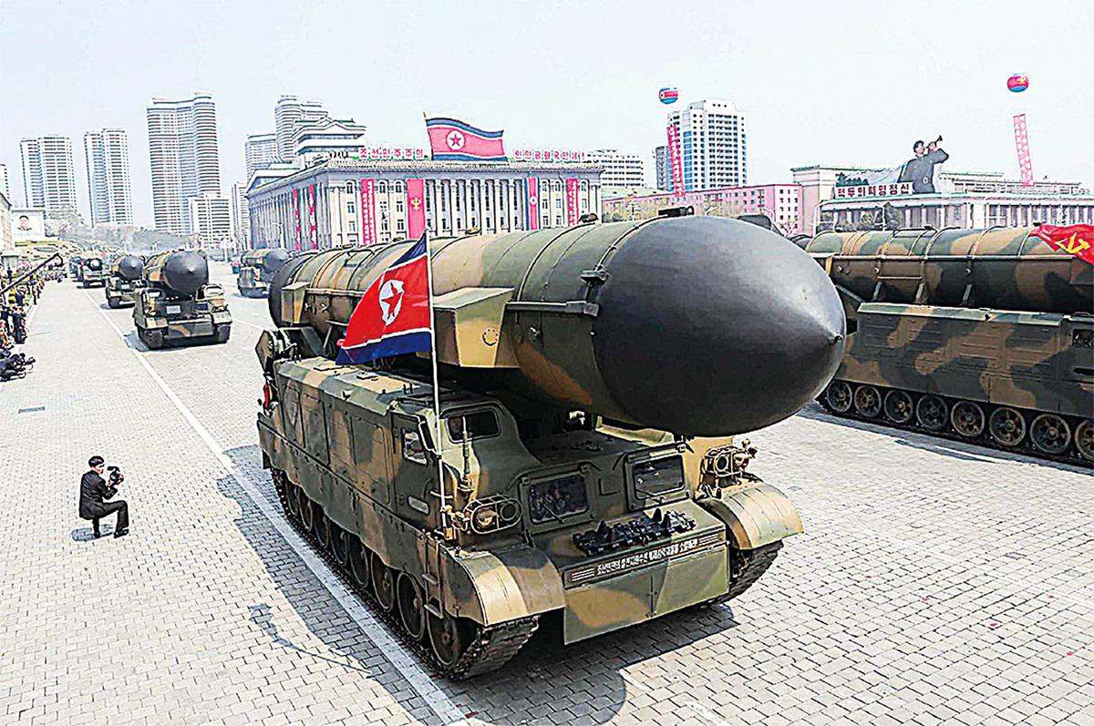 中國一直在給予北韓形形色色的支持。圖為北韓彈道導彈發射器。(大紀元資料圖片)