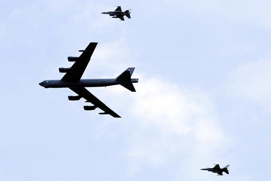 俄攔美轟炸機 特朗普令動盪中改善美俄關係