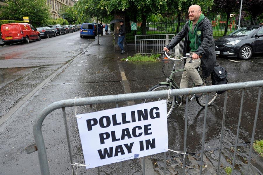 格拉斯哥一家學校的投票站。(ANDY BUCHANAN/AFP/Getty Images)