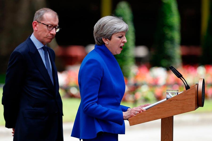 6月9日下午,英國首相文翠珊宣佈,將與北愛的民主聯盟黨聯合。(ADRIAN DENNIS/AFP/Getty Images)