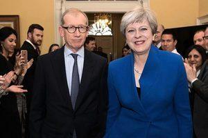 英相文翠珊組建新政府 面臨多重挑戰