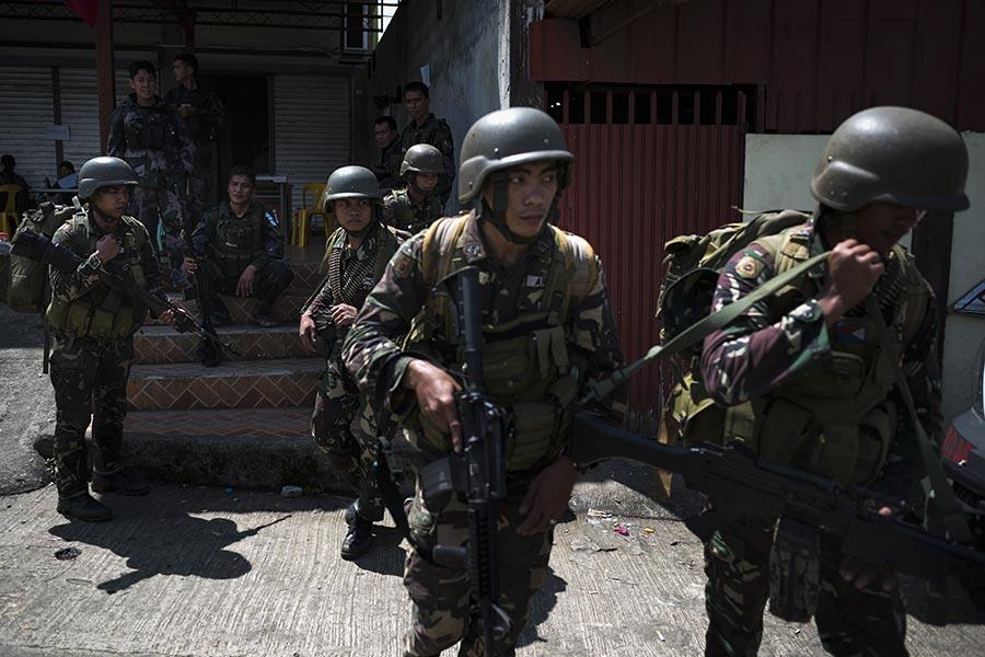 美國駐菲律賓大使館發言人周六(6月10日)透露,美國特種部隊正在協助菲律賓軍方,打擊在菲律賓南部一城鎮的伊斯蘭國好戰份子(IS)。(Jes Aznar/Getty Images)