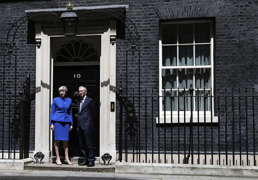 英國大選後政壇動盪