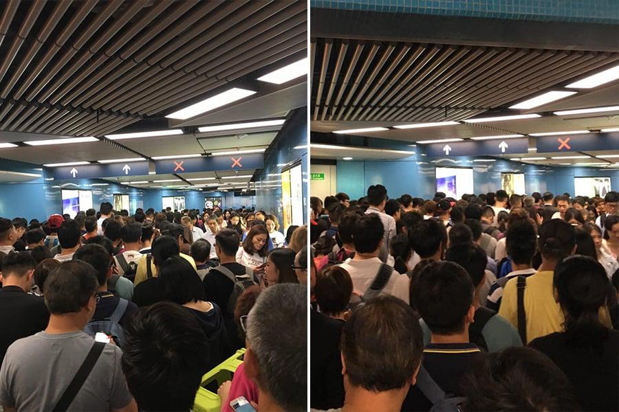 下午5時30分,港鐵九龍塘站,往東鐵綫步行通道人潮擁擠,移動緩慢。(盛益清/大紀元)